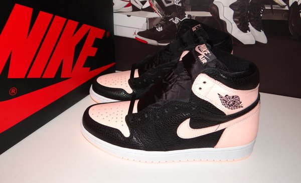 "Nike Air Jordan 1 Retro High OG ""Crimson Tint 42 EU Limited Edition Deadstock"
